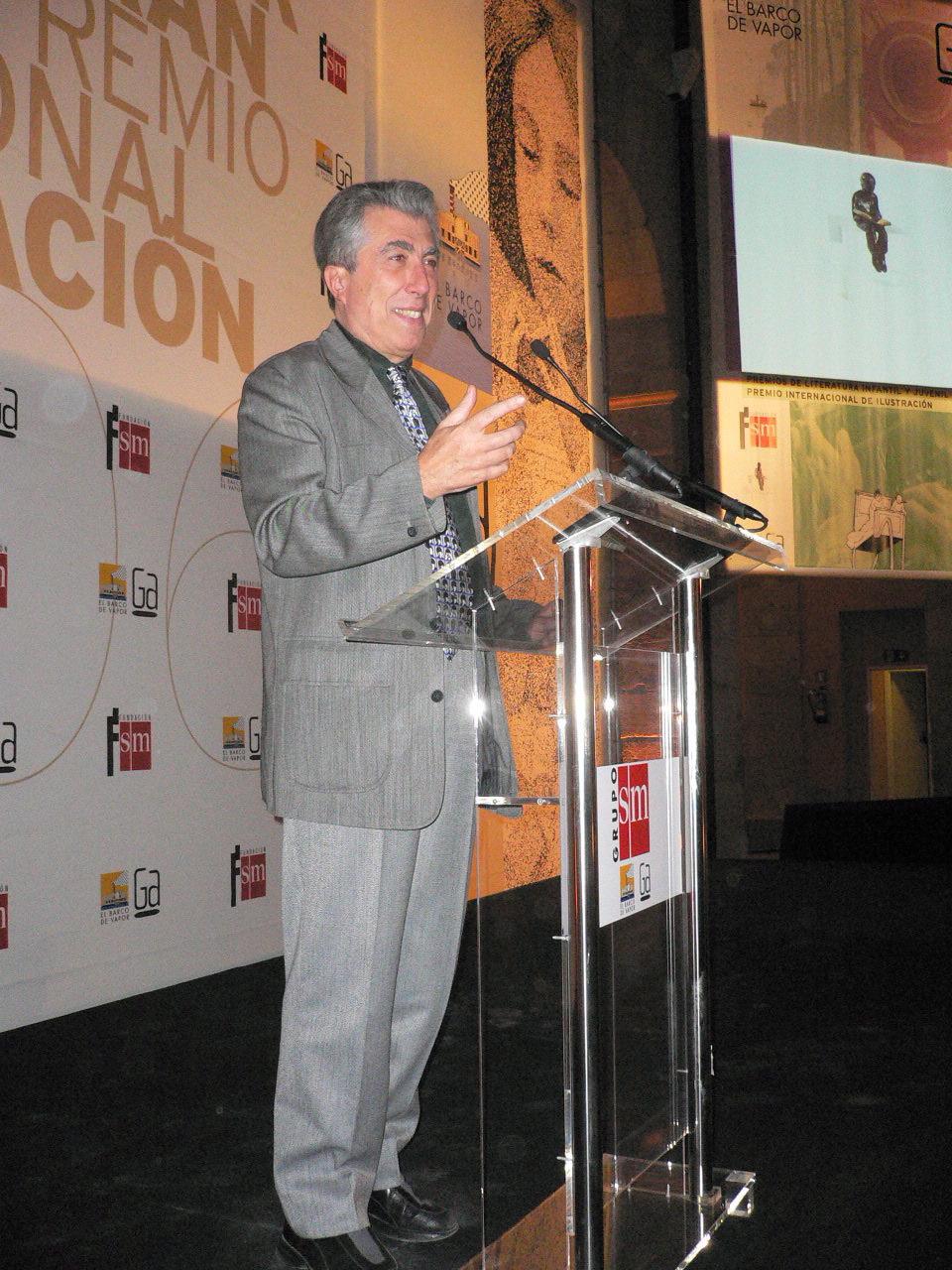 http://www.sierraifabra.com/ant/fotos/Image/Privado/Yo%20discurso.JPG